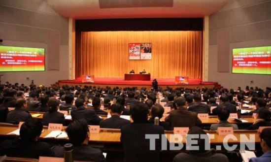 中央宣讲团赴藏宣十八届六中全会精神