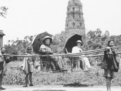 百年前的雷峰塔图片