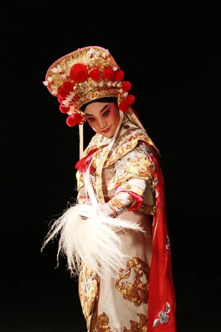小香玉:用最新、文化的视频v文化最好方式悠悠球曲绳招式戏曲讲解图片