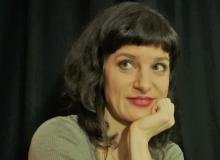 芭芭拉o保加可尼克:写作将中外作家凝结在一起写作凝结表达各异的作家,帮助理解人类是谁,有何异同,这样才能求同存异。[详细]