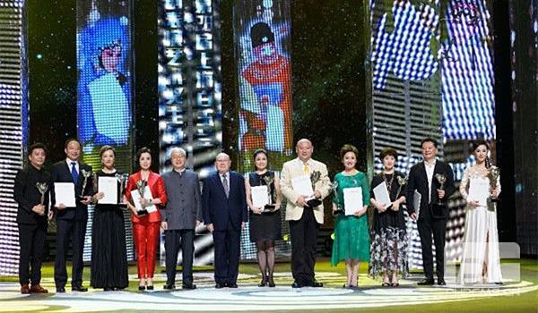 第28届上海白玉兰戏剧表演艺术奖,王平夺得主角奖榜首