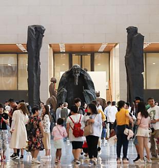 雕塑的人文情怀和世界性